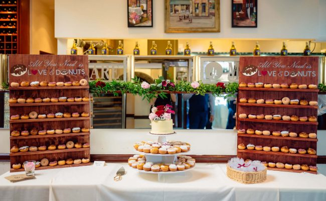 donut walls and wedding cake